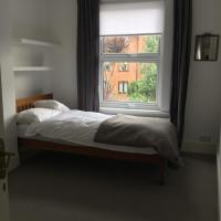 Comfortable room(s) in a private house in South West London