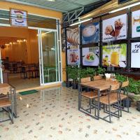 Sunshine Khao Sok Hostel