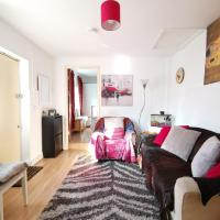 Fully Equipped 1 BR Flat in East London - Perfect for couples visiting Olympic Park, Velodrome, The O2, ExCel & The City of London