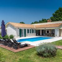 Lucia - istrian Villa with private heated pool