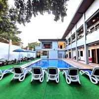 Charms Hotel, hotel in Coron