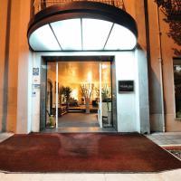 White House Hotel, hotel in Foggia