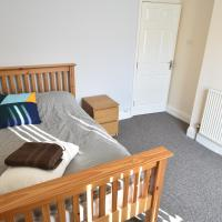 4 Bedroom Whole House Coventry City Centre(40)
