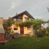 """Kuća za odmor """"JAPICA """" . Gradiščak 85"""