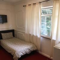 VERY CHEAP ROOMS ideal for Builders & Contractors
