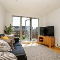 Heart of Woking Town Apartment