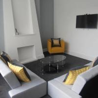 Spacious Modern Two Storey Apartment Liverpool - Sleeps 8