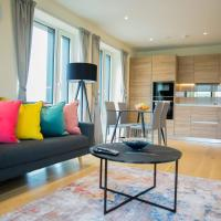 Thames View 2 Bed Apartment With Balcony