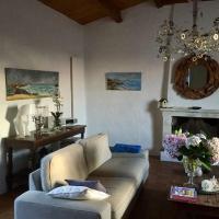 Ravissante maison de charme à l'Ile d'yeu, hotel in Port-Joinville