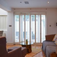 Charming 2 Bedroom Flat With Backyard in Battersea