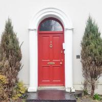 Silver Crescent House & Apts Vacation Rentals Galway City Ireland