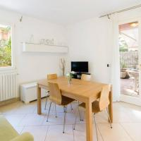 R3 · Two-bedroom apartment with private sunny garden