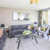 Luxuriously Designed 2 Bedrooms Apartment