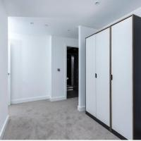 Luxury 2-Bedroom Apartment Perfect for Stansted-1