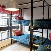 M.O.M Hostel & Cafe