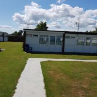 2 Bed Chalet, Belle Aire, Beach Road, Hemsby, Norfolk, NR29 4HZ -39