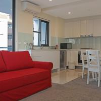 Near City and Airport Parking Lakeview Cozy APT