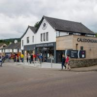 Lock Chambers, Caledonian Canal Centre, hotel in Fort Augustus