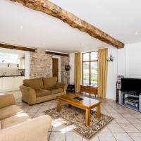 Traditional Family Barn Conversion near Faringdon