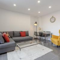 Fantastic 3 Bedroom Home Near Canary Wharf