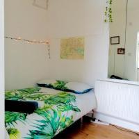 Lovely Hoxton studio flat