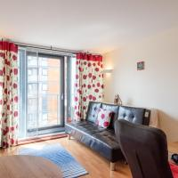 1BR Flat in Blackwall Way by GuestReady