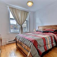 Suite 4 - Beautiful 1 bedroom apt - close to everything - sleeps 4