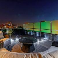 Swan Street Penthouse With Rooftop terrace (Sleeps 8) hottub