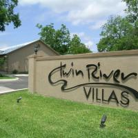 Family lodging that is near Schlitterbahn, Downtown, and the Comal... - TRV-Blackstone