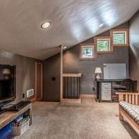 3 Bed 3 Bath Vacation home in Schweitzer Mountain