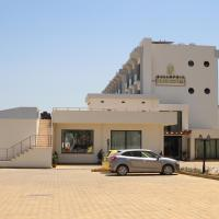 Bellapais Oasis Hotel, отель в Кирении