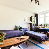 Large room & balcony in Berlin suburb @ Messe/ZOB