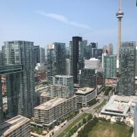 Luxurious 3 Bedroom condo Toronto Downtown sleeps 8