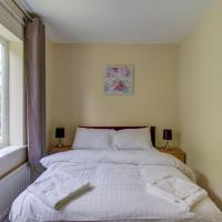Stylish townhouse for up to 8, Central Manchester!