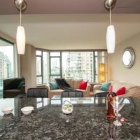 Luxury Prime location 2 bed + 2 bath + parking+pool+hot tub