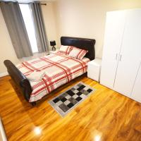 London Modern Three Bedroom Apartment