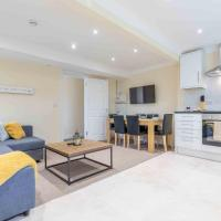 UXBRIDGE APARTMENTS - 3 DOUBLE BEDROOMS & FREE PARKING