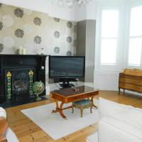 Period home - Charming features - 1 Mile from Hoe