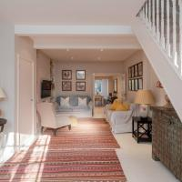 Charming, Bright, 2 Bed House in Bustling Fulham