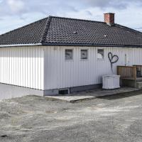 Two-Bedroom Apartment in Egersund </h2 </a <div class=sr-card__item sr-card__item--badges <div class= sr-card__badge sr-card__badge--class u-margin:0  data-ga-track=click data-ga-category=SR Card Click data-ga-action=Hotel rating data-ga-label=book_window:  day(s)  <i class= bk-icon-wrapper bk-icon-stars star_track  title=4 stjerner  <svg aria-hidden=true class=bk-icon -sprite-ratings_stars_4 focusable=false height=10 width=43<use xlink:href=#icon-sprite-ratings_stars_4</use</svg                     <span class=invisible_spoken4 stjerner</span </i </div   <div style=padding: 2px 0    </div </div <div class=sr-card__item   data-ga-track=click data-ga-category=SR Card Click data-ga-action=Hotel location data-ga-label=book_window:  day(s)  <svg alt=Beliggenhet class=bk-icon -iconset-geo_pin sr_svg__card_icon height=12 width=12<use xlink:href=#icon-iconset-geo_pin</use</svg <div class= sr-card__item__content   <strong class='sr-card__item--strong'Egersund</strong • <span 3,9 km </span  fra Midtbrød </div </div </div </div </div </li <div data-et-view=cJaQWPWNEQEDSVWe:1</div <li id=hotel_2865007 data-is-in-favourites=0 data-hotel-id='2865007' class=sr-card sr-card--arrow bui-card bui-u-bleed@small js-sr-card m_sr_info_icons card-halved card-halved--active   <div data-href=/hotel/no/studio-apartment-in-hellvik.no.html onclick=window.open(this.getAttribute('data-href')); target=_blank class=sr-card__row bui-card__content data-et-click=  <div class=sr-card__image js-sr_simple_card_hotel_image has-debolded-deal js-lazy-image sr-card__image--lazy data-src=https://q-cf.bstatic.com/xdata/images/hotel/square200/212949257.jpg?k=7aad9f62547ac50e4a9da60af0555d54c3475a1ed2d3599b8de5ccf907b5de2a&o=&s=1,https://q-cf.bstatic.com/xdata/images/hotel/max1024x768/212949257.jpg?k=9073678cc8b89373bcce8914b04501a1a0bbffc7761ac01b143f69d79f77eec8&o=&s=1  <div class=sr-card__image-inner css-loading-hidden </div <noscript <div class=sr-card__image--nojs style=background-image: url('https://q-cf.