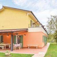 Three-Bedroom Apartment in Caprino Veronese