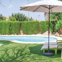 Five-Bedroom Holiday Home in Riba-Roja de Turia