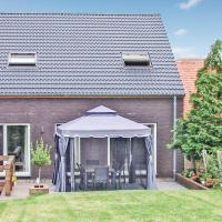 Four-Bedroom Holiday home Homsemstraat 83