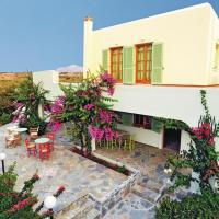Four-Bedroom Holiday Home in Kato Gouves Heraklio, hotel in Analipsi
