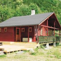 Three-Bedroom Holiday Home in Steinsto