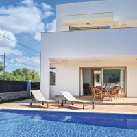 Two-Bedroom Holiday Home in Cala Llombards