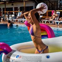 Wild Rover Beach Resort Mancora
