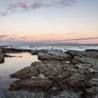 Hermanus Whale View - Beach Front Apartment