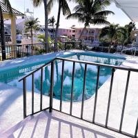 Griffin's Seahorse Tavern 3bed/3bath with private pool & dockage
