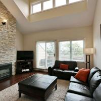 The Wintergreen at Blue: Blue Mountain Townhouse sleeps 8